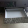 Table basse en inox et plateau quartz avec tiroirs