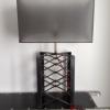 Lampe style industriel hauteur 77 cm, abat jour rectangulaire.