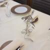 Sculptures réalisées à partir de couverts en métal argenté pour le restaurant Le Millénaire à Reims